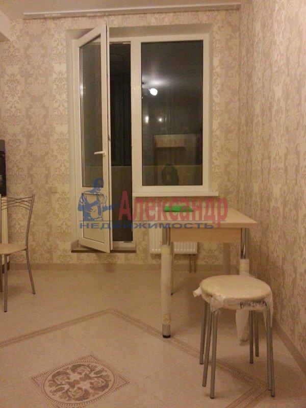 2-комнатная квартира (70м2) в аренду по адресу Белы Куна ул., 1— фото 9 из 18