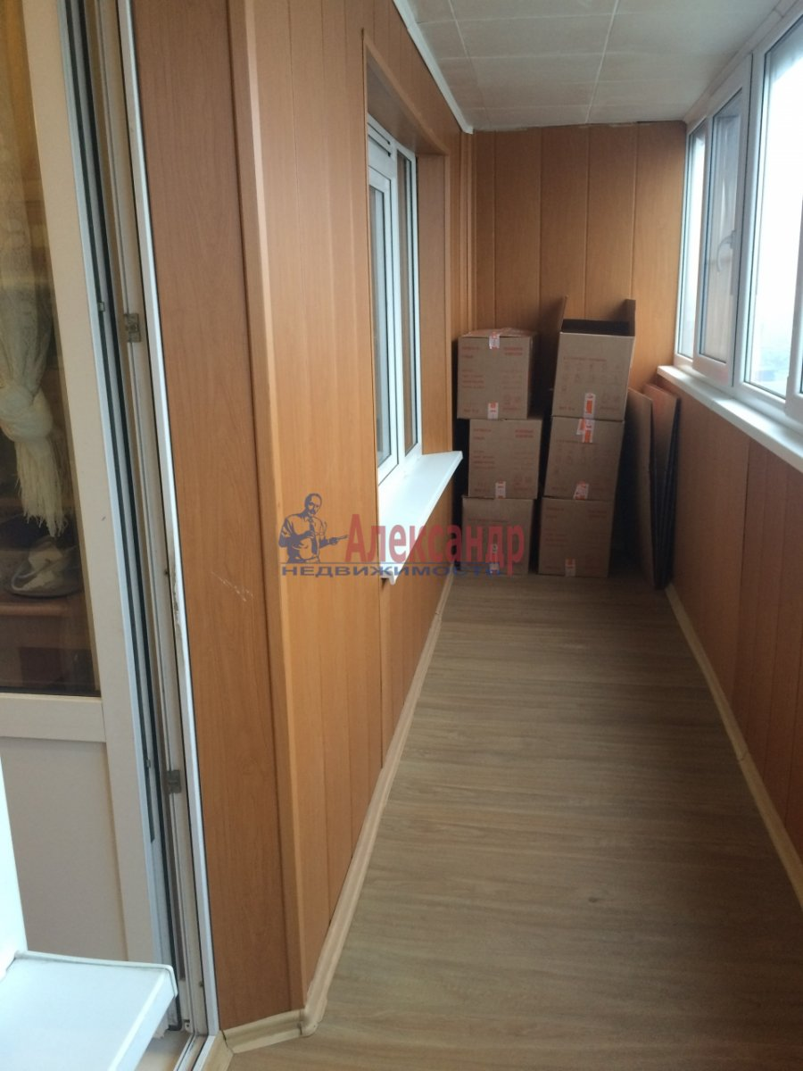 2-комнатная квартира (56м2) в аренду по адресу Передовиков ул., 1— фото 12 из 14