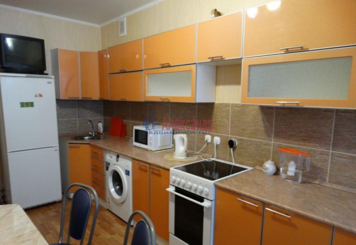 1-комнатная квартира (36м2) в аренду по адресу Обуховской Обороны пр., 195— фото 2 из 4