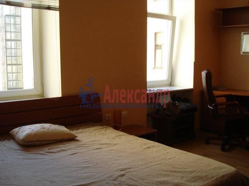 Комната в 3-комнатной квартире (79м2) в аренду по адресу Большая Монетная ул., 3— фото 1 из 4