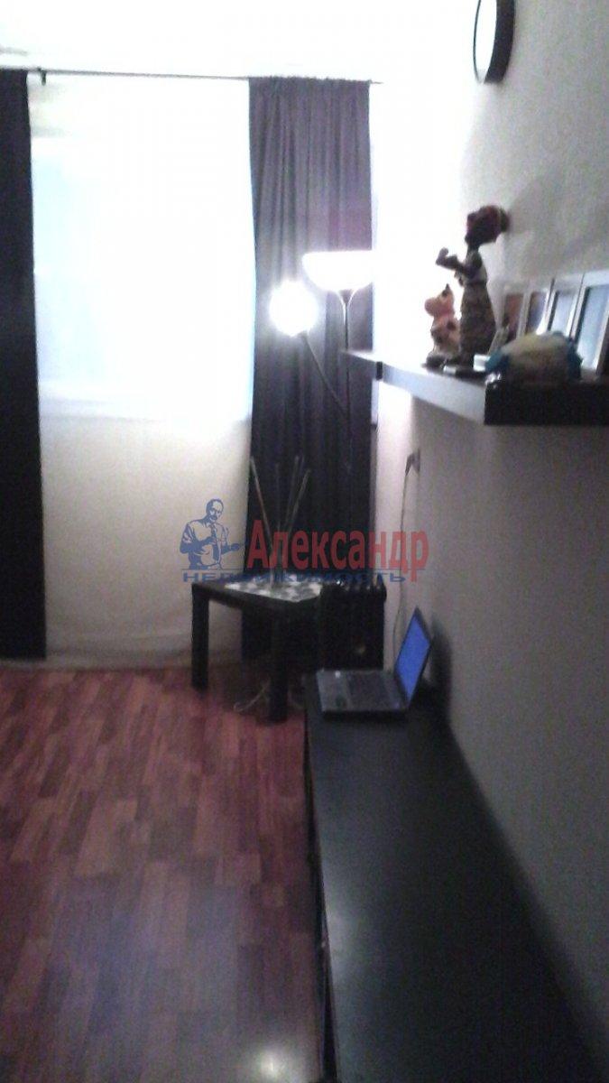 1-комнатная квартира (32м2) в аренду по адресу Брянцева ул., 20— фото 1 из 4