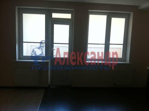 2-комнатная квартира (60м2) в аренду по адресу Пулковская ул., 6— фото 4 из 8
