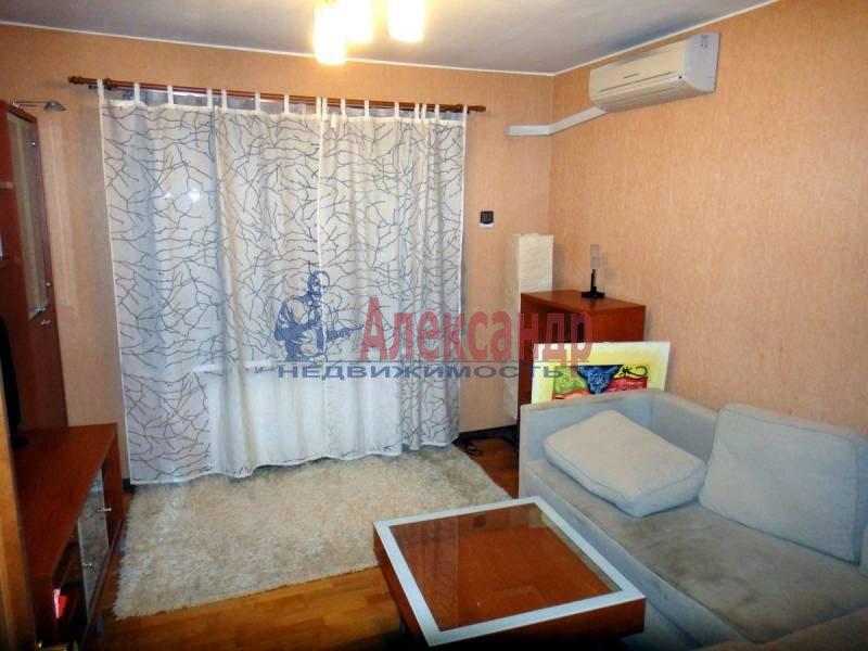 3-комнатная квартира (80м2) в аренду по адресу Савушкина ул.— фото 1 из 4