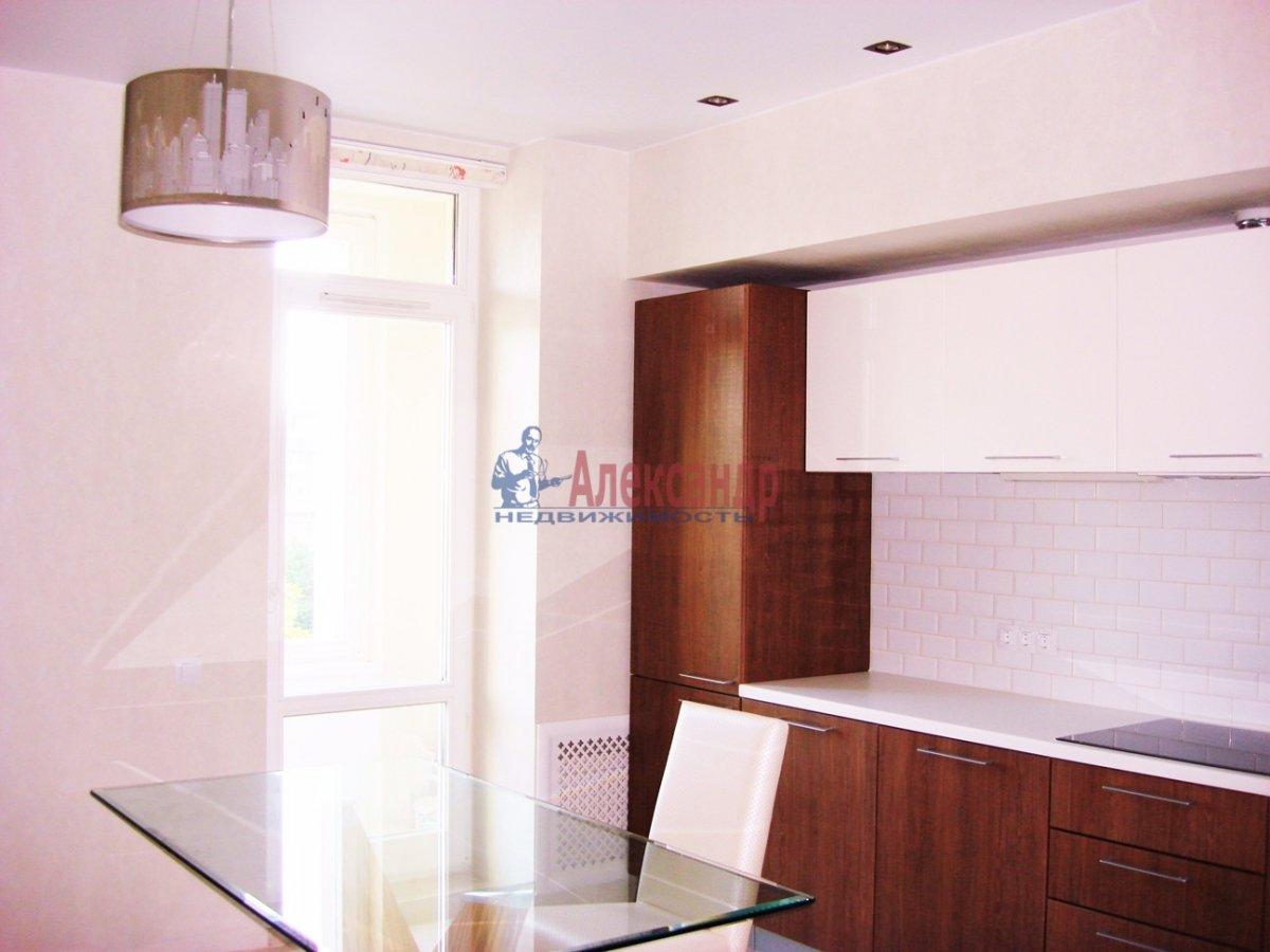 2-комнатная квартира (120м2) в аренду по адресу Новгородская ул., 23— фото 4 из 10