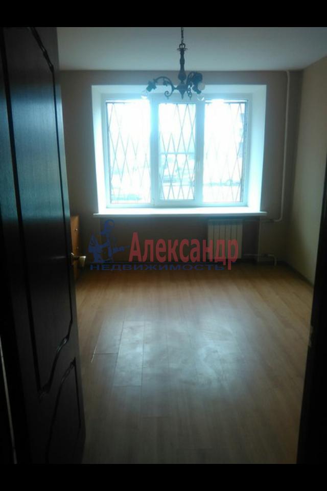 2-комнатная квартира (49м2) в аренду по адресу Пограничника Гарькавого ул., 19— фото 2 из 7