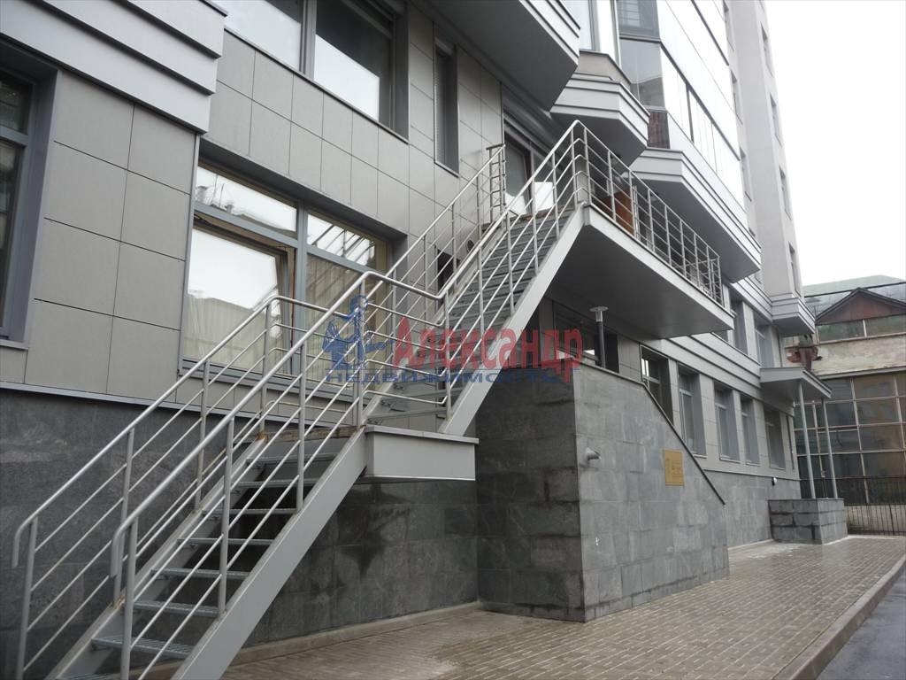 3-комнатная квартира (130м2) в аренду по адресу Каменноостровский пр., 40— фото 4 из 8