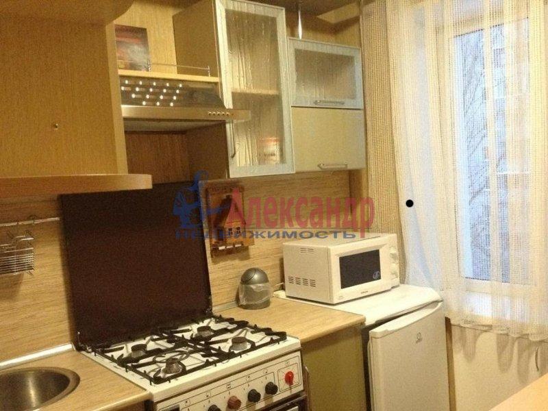 1-комнатная квартира (33м2) в аренду по адресу Светлановский просп., 78— фото 4 из 4