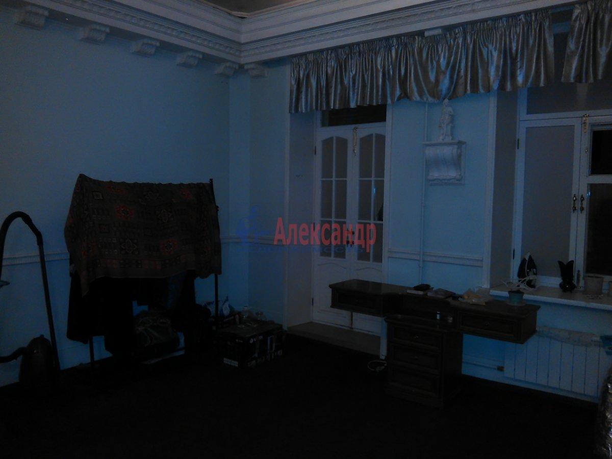 Комната в 2-комнатной квартире (87м2) в аренду по адресу Средний В.О. пр., 33— фото 4 из 8