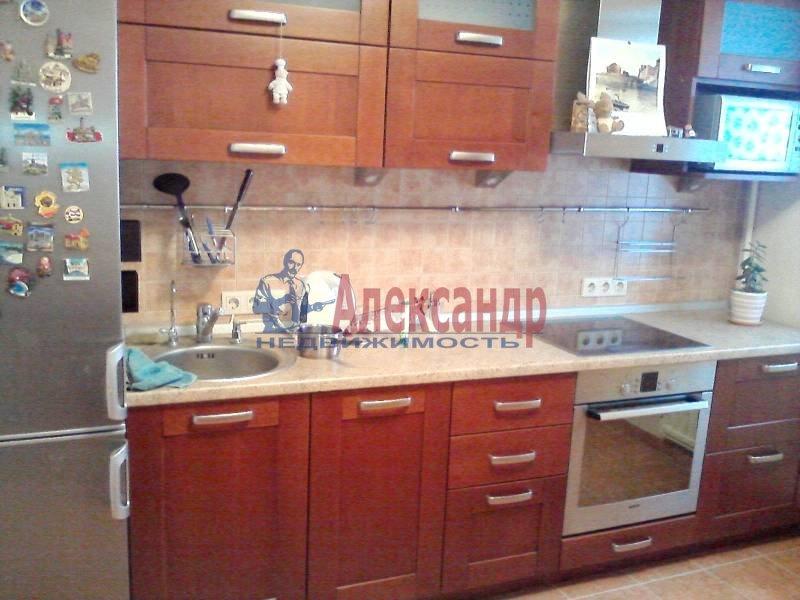 2-комнатная квартира (67м2) в аренду по адресу Искровский пр., 32— фото 3 из 5