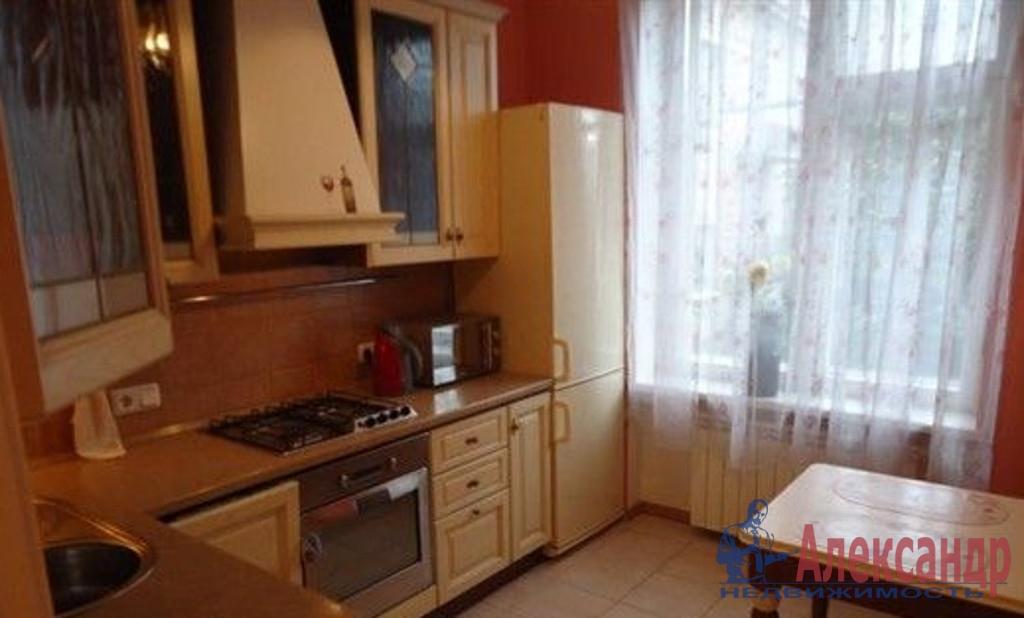 2-комнатная квартира (42м2) в аренду по адресу Краснопутиловская ул., 77— фото 2 из 3