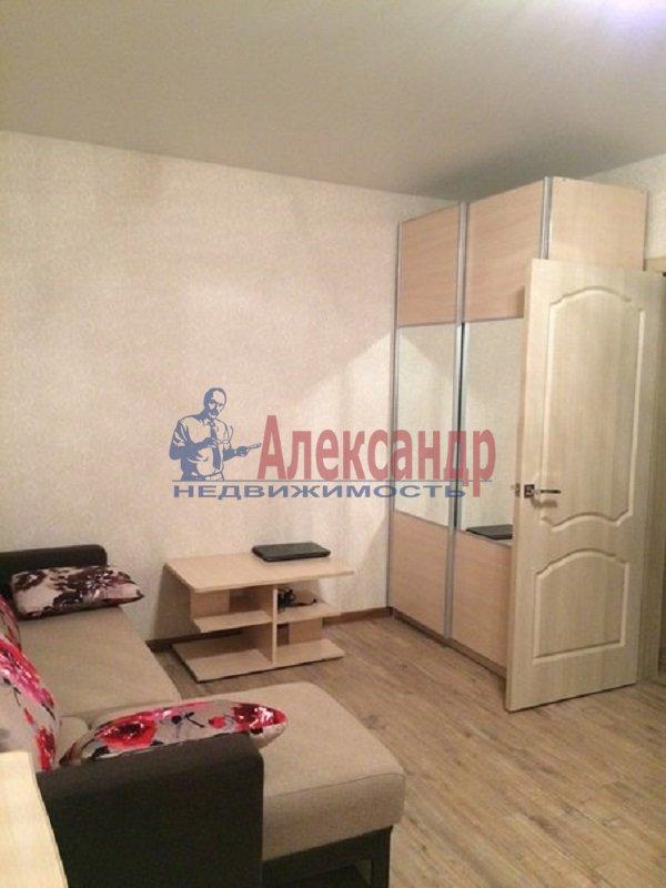 1-комнатная квартира (39м2) в аренду по адресу Малая Бухарестская ул., 11— фото 3 из 3