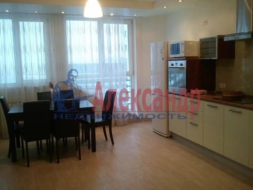 2-комнатная квартира (98м2) в аренду по адресу Обуховской Обороны пр., 138— фото 8 из 9