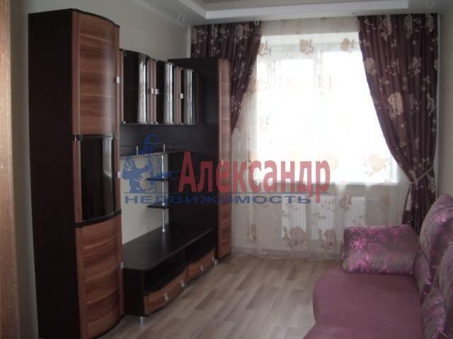 1-комнатная квартира (38м2) в аренду по адресу Кондратьевский пр., 70— фото 3 из 3
