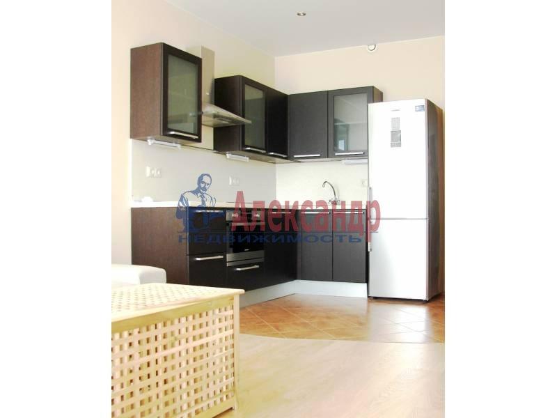 1-комнатная квартира (46м2) в аренду по адресу Композиторов ул., 12— фото 1 из 5