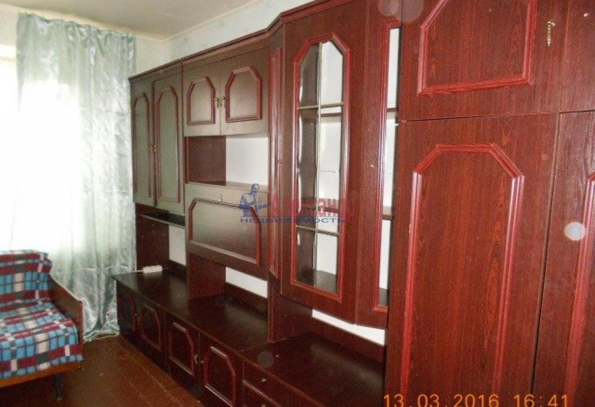 Комната в 3-комнатной квартире (76м2) в аренду по адресу Средний В.О. пр., 75— фото 1 из 3