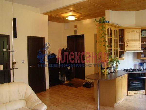 3-комнатная квартира (70м2) в аренду по адресу Московский просп., 192— фото 2 из 9