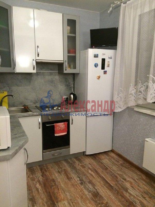 1-комнатная квартира (39м2) в аренду по адресу Малая Бухарестская ул., 11— фото 1 из 3