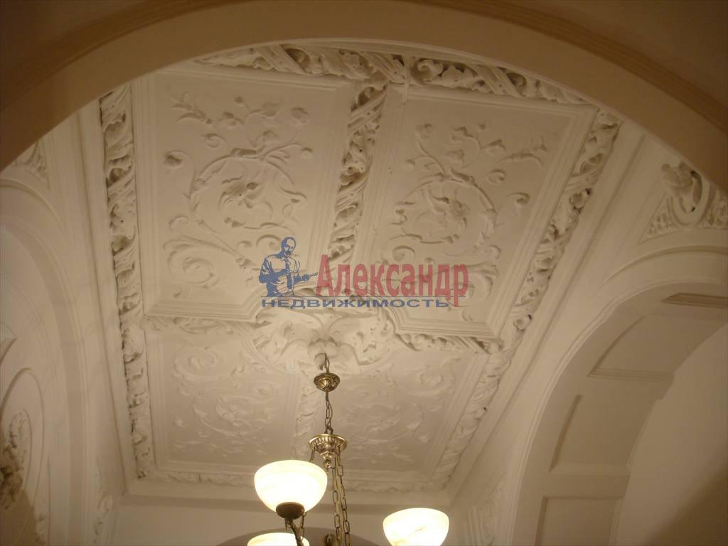 2-комнатная квартира (40м2) в аренду по адресу Дворцовая наб., 14— фото 3 из 5