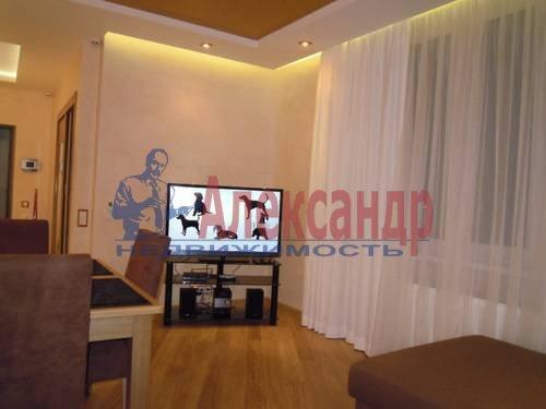 2-комнатная квартира (80м2) в аренду по адресу Свердловская наб., 58— фото 3 из 14
