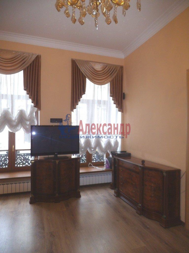 2-комнатная квартира (80м2) в аренду по адресу Малая Морская ул., 16— фото 2 из 8