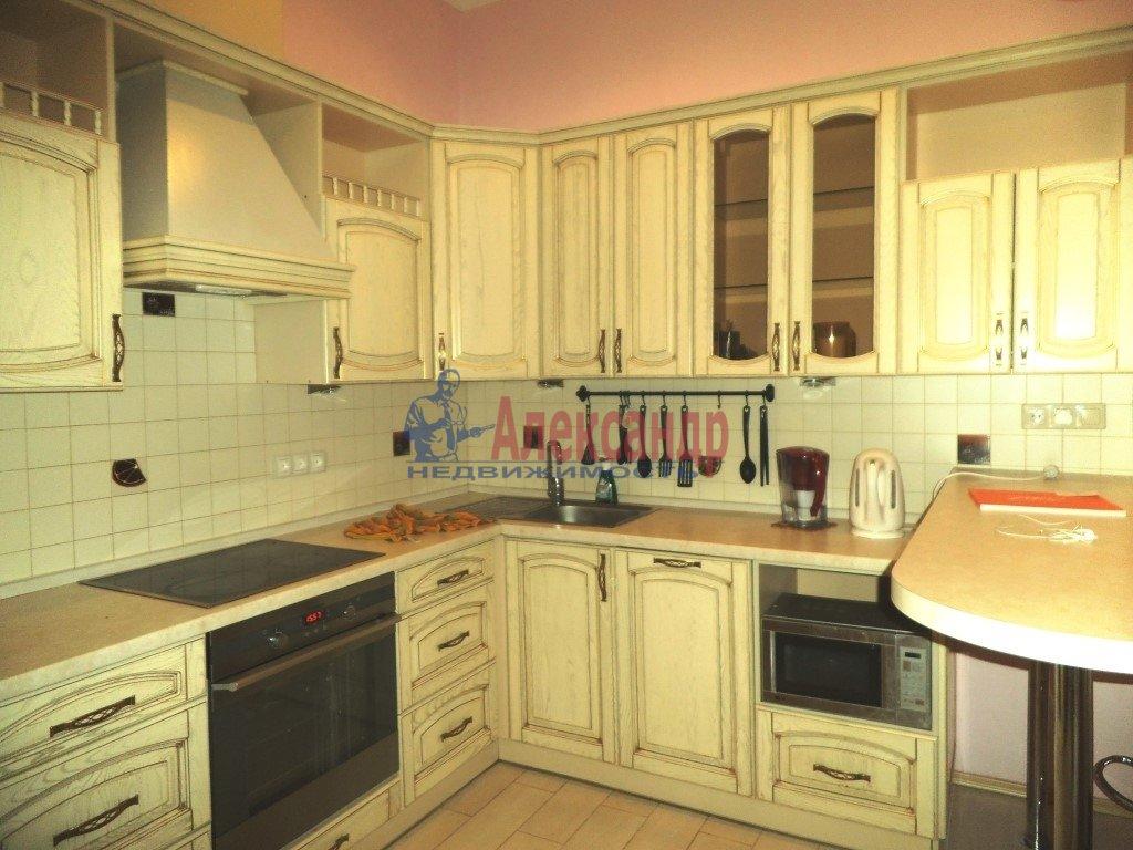 2-комнатная квартира (80м2) в аренду по адресу Малая Морская ул., 16— фото 3 из 8