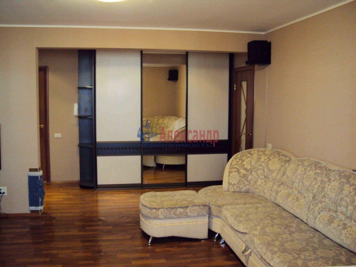 2-комнатная квартира (71м2) в аренду по адресу Выборгское шос., 23— фото 3 из 6