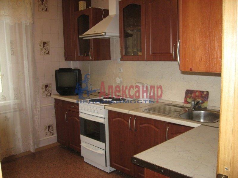 1-комнатная квартира (35м2) в аренду по адресу Болотная ул., 17— фото 1 из 4