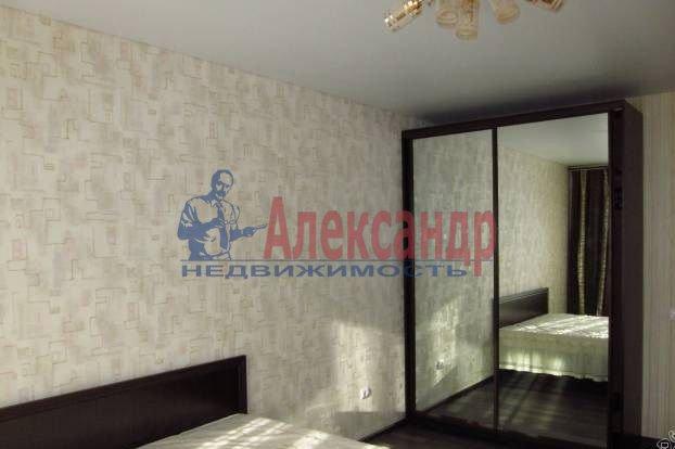 1-комнатная квартира (48м2) в аренду по адресу Матроса Железняка ул., 57— фото 3 из 5