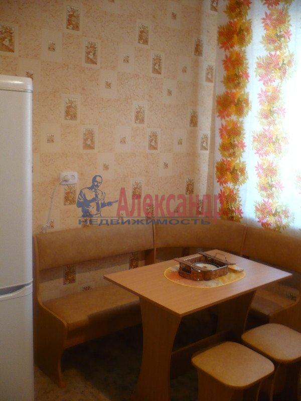 1-комнатная квартира (33м2) в аренду по адресу Десантников ул., 12— фото 8 из 21
