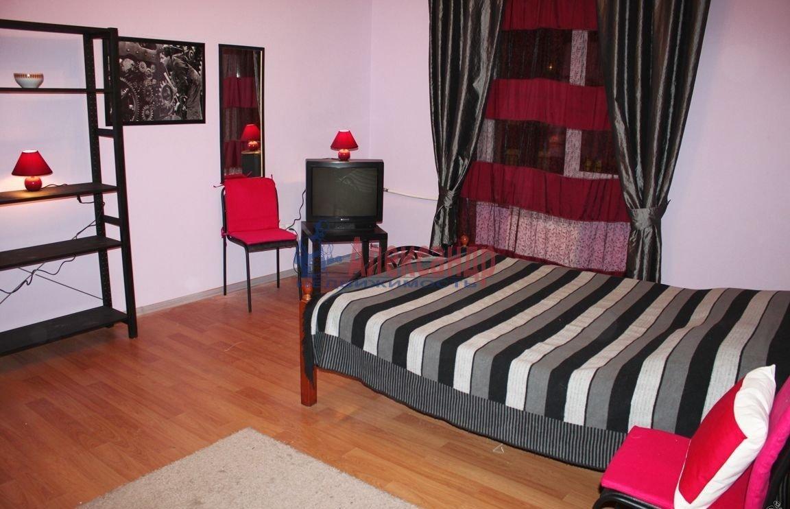 Комната в 2-комнатной квартире (60м2) в аренду по адресу Канала Грибоедова наб., 9— фото 2 из 3