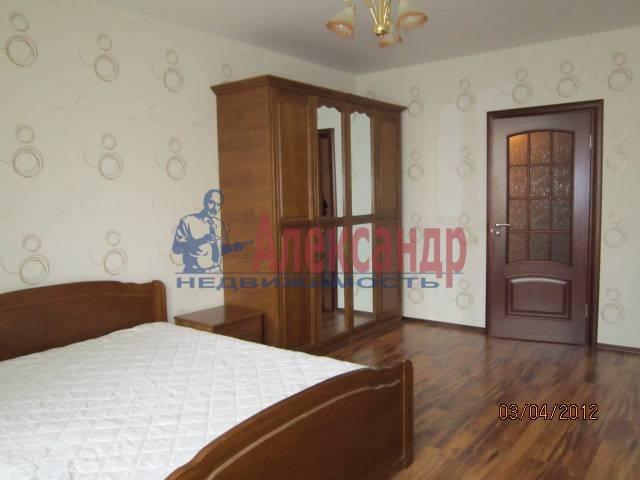 2-комнатная квартира (65м2) в аренду по адресу Косыгина пр., 32— фото 2 из 6
