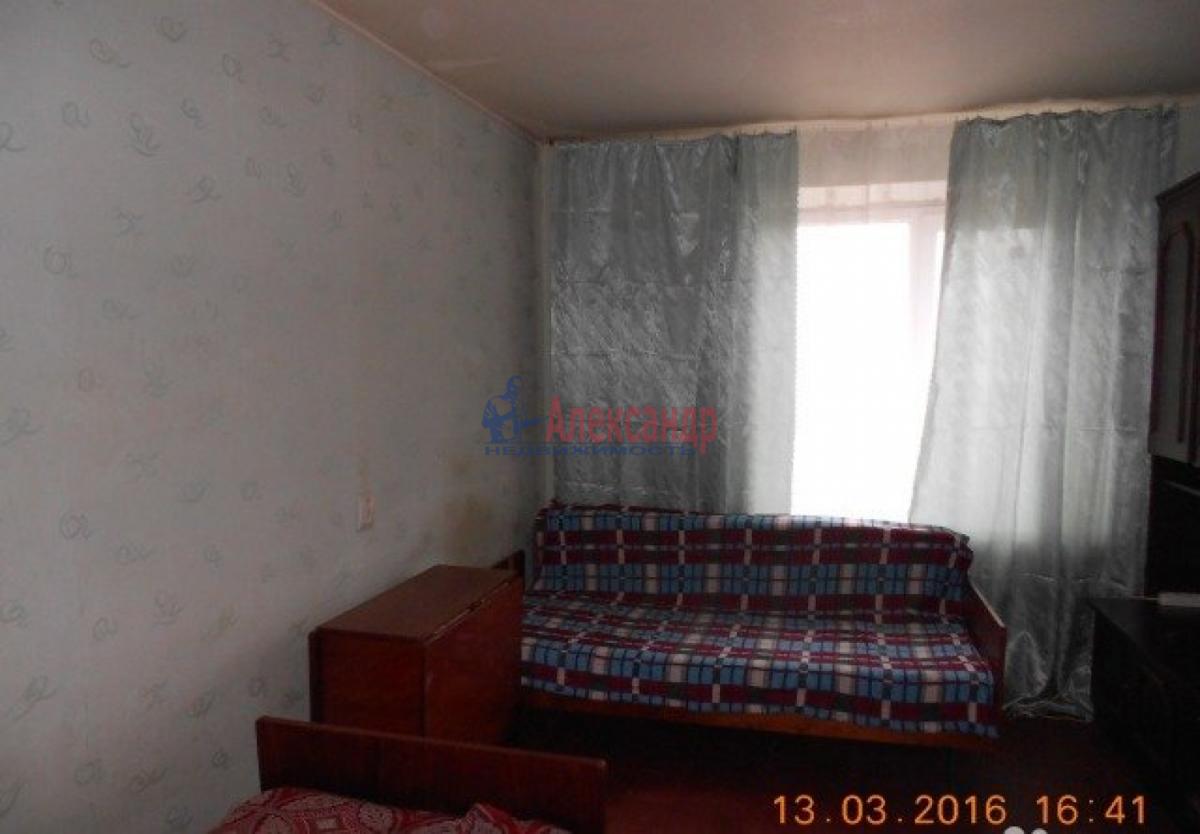 Комната в 3-комнатной квартире (76м2) в аренду по адресу Средний В.О. пр., 75— фото 2 из 3