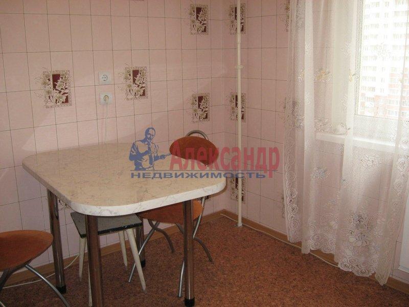 1-комнатная квартира (35м2) в аренду по адресу Болотная ул., 17— фото 2 из 4