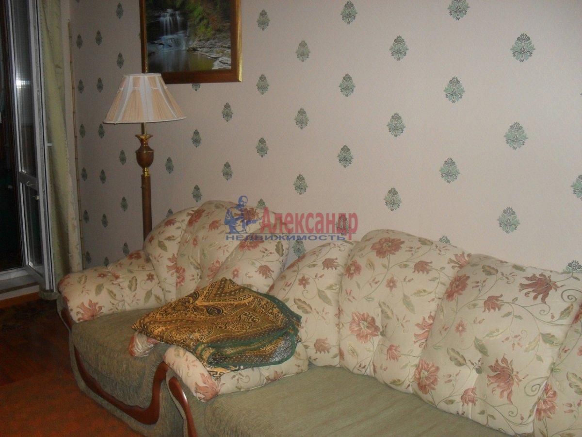 1-комнатная квартира (35м2) в аренду по адресу Малая Бухарестская ул., 10— фото 1 из 7