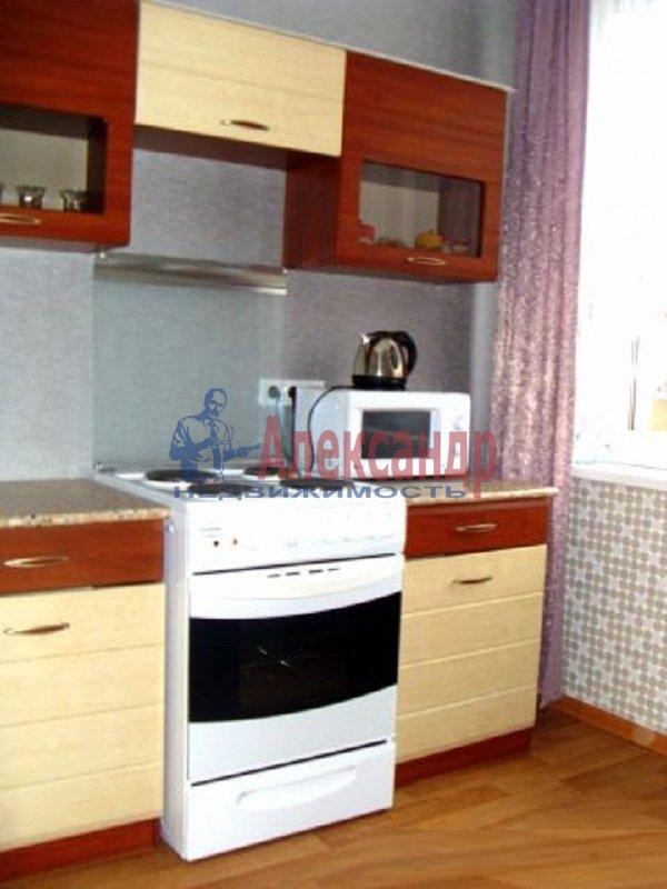 2-комнатная квартира (58м2) в аренду по адресу Яхтенная ул., 7— фото 2 из 6