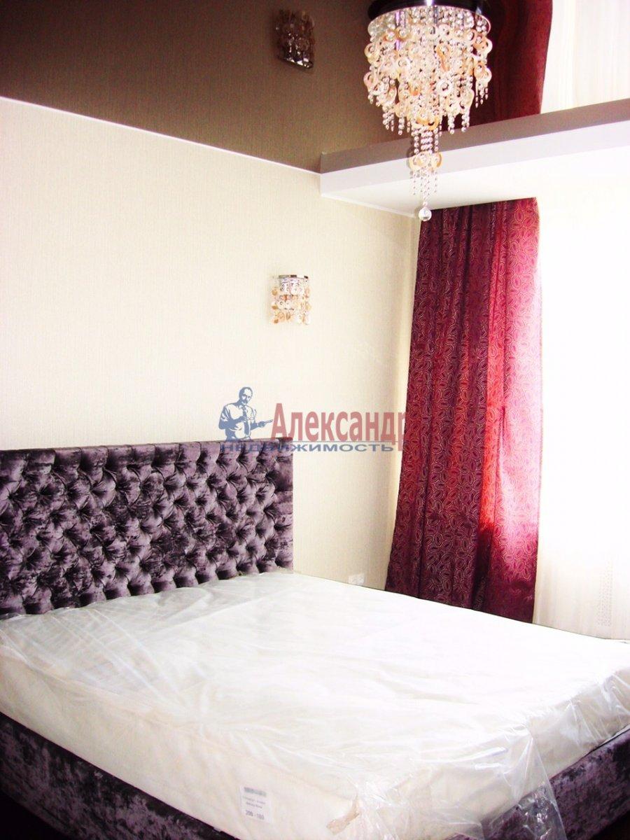 2-комнатная квартира (120м2) в аренду по адресу Новгородская ул., 23— фото 7 из 10