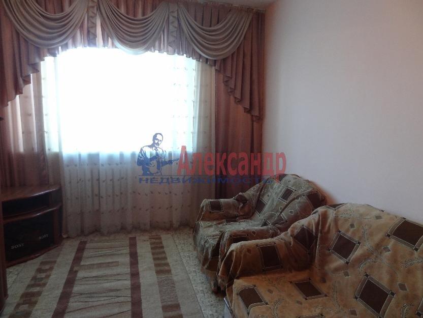 1-комнатная квартира (38м2) в аренду по адресу Московский просп., 220— фото 2 из 4