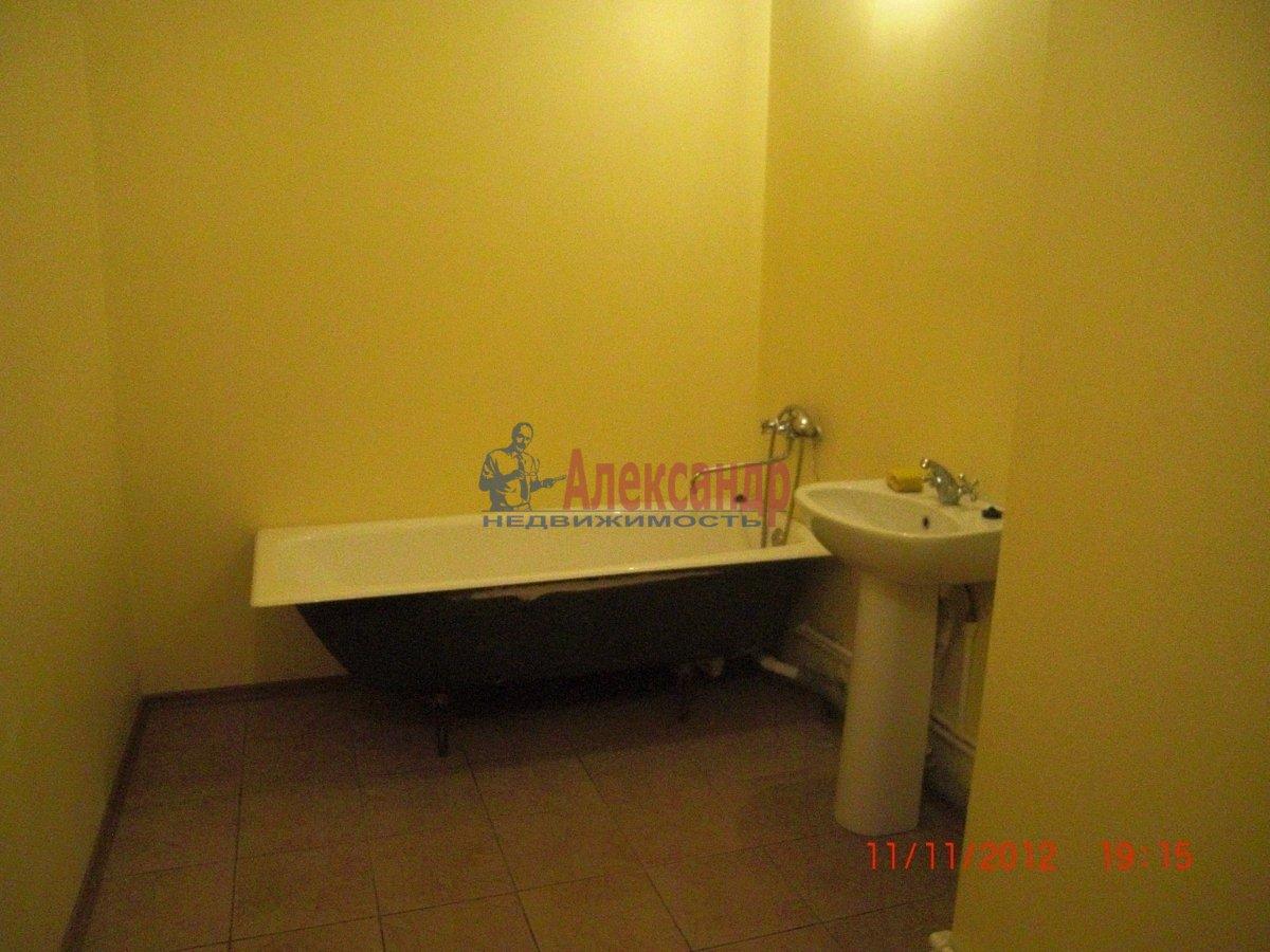 2-комнатная квартира (69м2) в аренду по адресу Стародеревенская ул., 19— фото 2 из 6