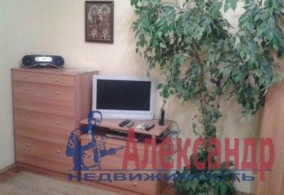 2-комнатная квартира (52м2) в аренду по адресу Большой пр., 69— фото 2 из 4