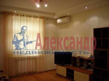 2-комнатная квартира (60м2) в аренду по адресу Луначарского пр., 58— фото 2 из 3