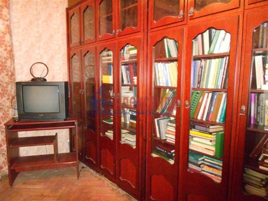 2-комнатная квартира (45м2) в аренду по адресу Карпинского ул., 30— фото 1 из 3