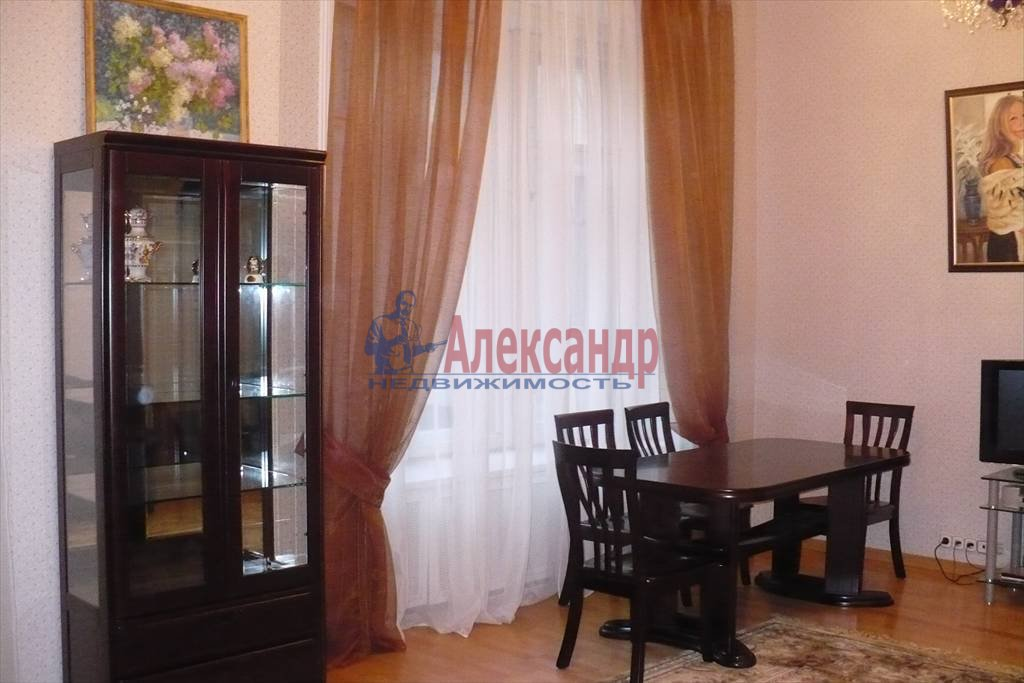 2-комнатная квартира (100м2) в аренду по адресу Каменноостровский пр., 1— фото 2 из 9