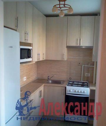 2-комнатная квартира (44м2) в аренду по адресу Новоизмайловский просп., 4— фото 2 из 4