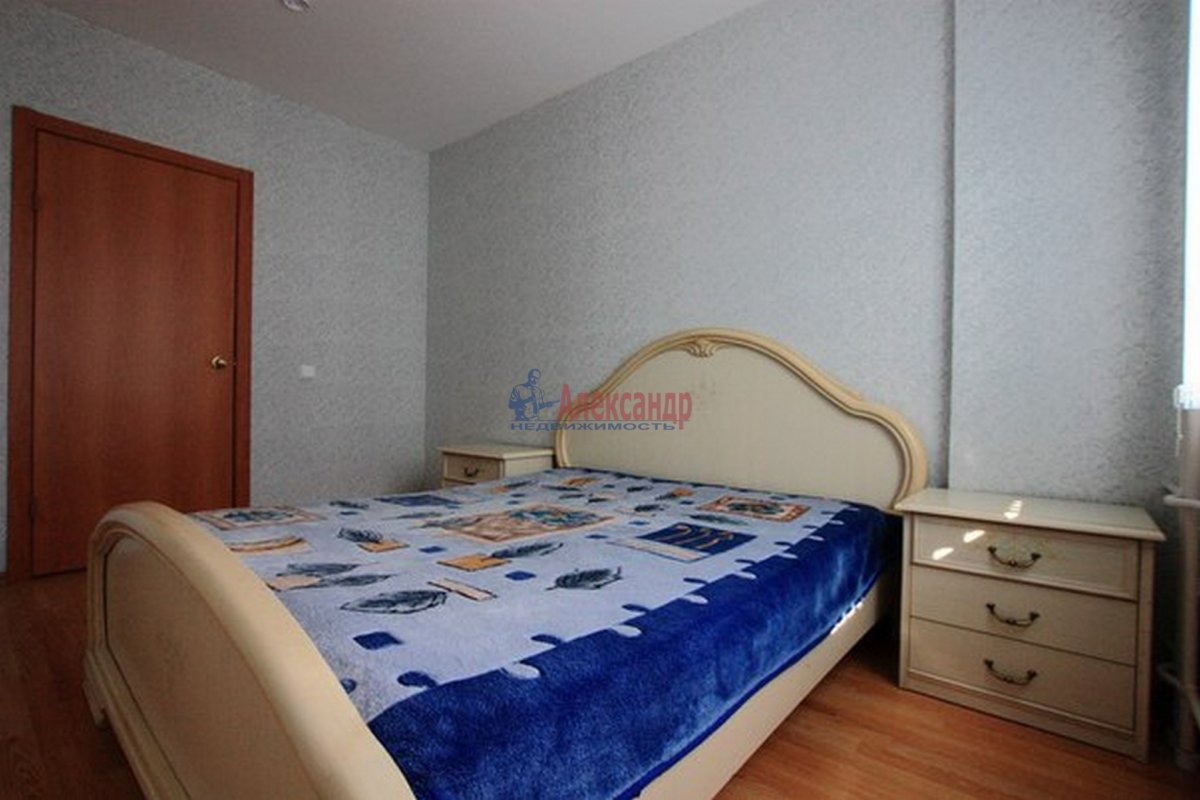 2-комнатная квартира (62м2) в аренду по адресу Морская наб.— фото 2 из 9