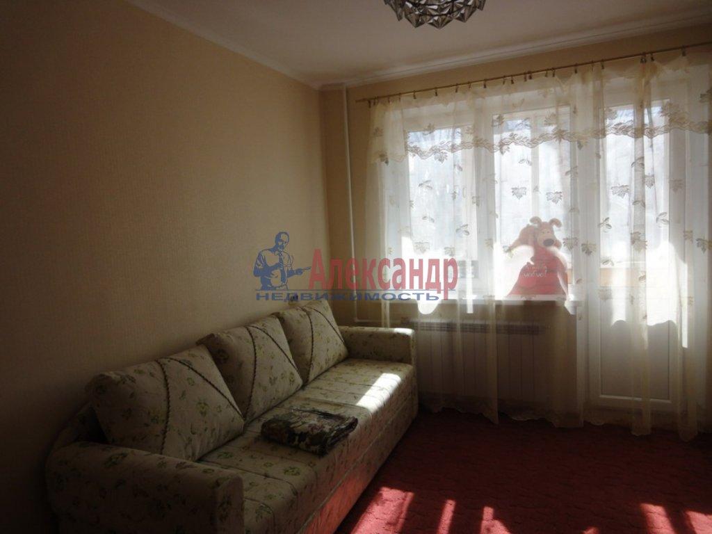 2-комнатная квартира (67м2) в аренду по адресу Брянцева ул., 7— фото 1 из 1