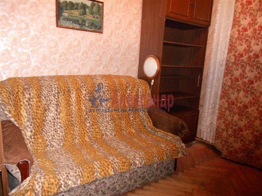 2-комнатная квартира (45м2) в аренду по адресу Карпинского ул., 30— фото 2 из 3