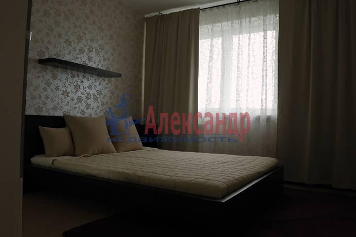 2-комнатная квартира (50м2) в аренду по адресу Космонавтов просп., 61— фото 1 из 11