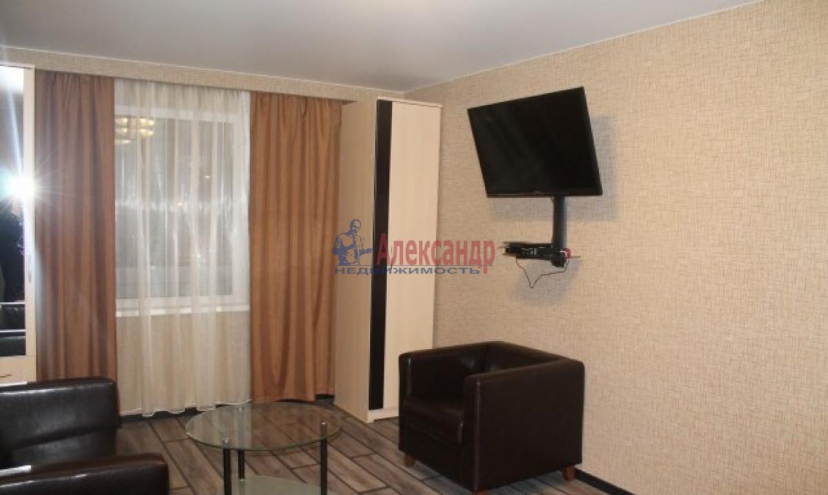 1-комнатная квартира (35м2) в аренду по адресу Автовская ул., 26— фото 1 из 5