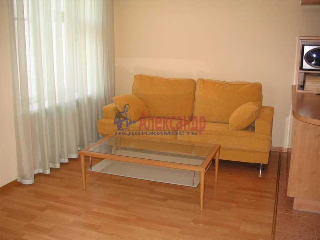 3-комнатная квартира (90м2) в аренду по адресу Шпалерная ул., 42— фото 3 из 7