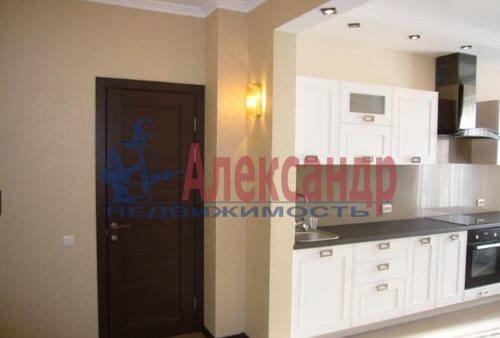 1-комнатная квартира (52м2) в аренду по адресу Большой Сампсониевский просп., 51— фото 3 из 5